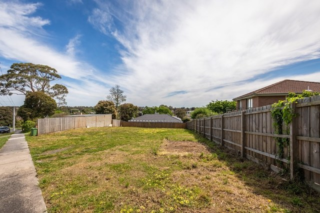4 Mahon Avenue, VIC 3807