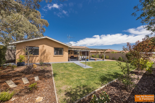 10 Torpy Place, Jerrabomberra NSW 2619