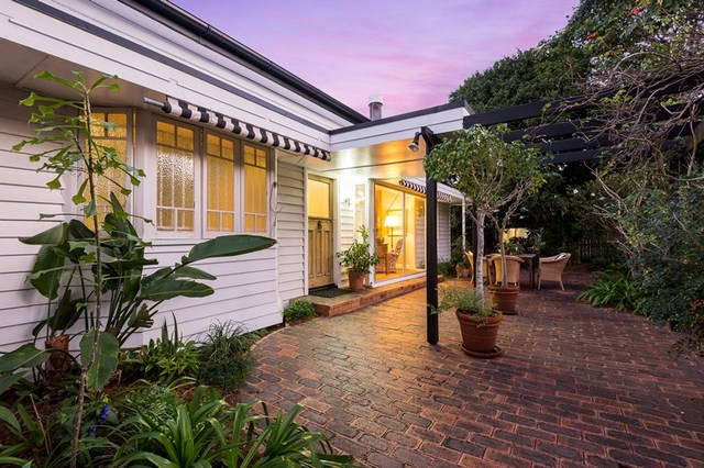 54 Manchester Terrace, Indooroopilly QLD 4068