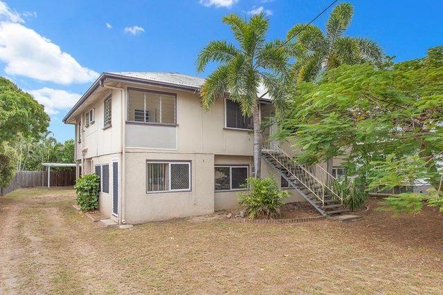 4 Halloran Street, Hermit Park QLD 4812