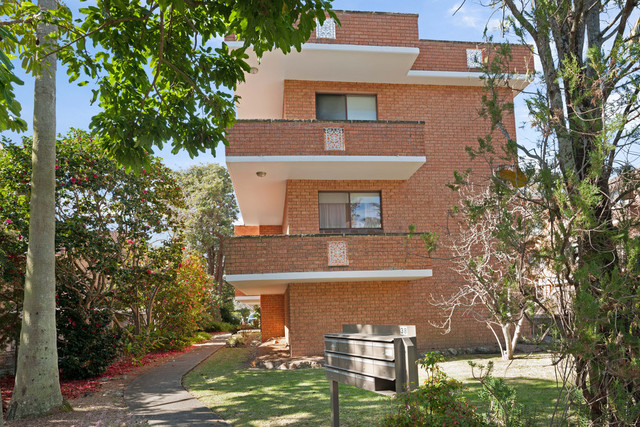 2/38 Albert Street, Hornsby NSW 2077