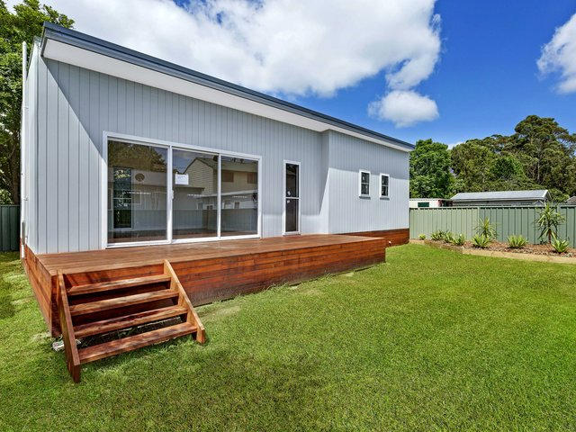 64a Kingsford Smith Dr, Berkeley Vale NSW 2261
