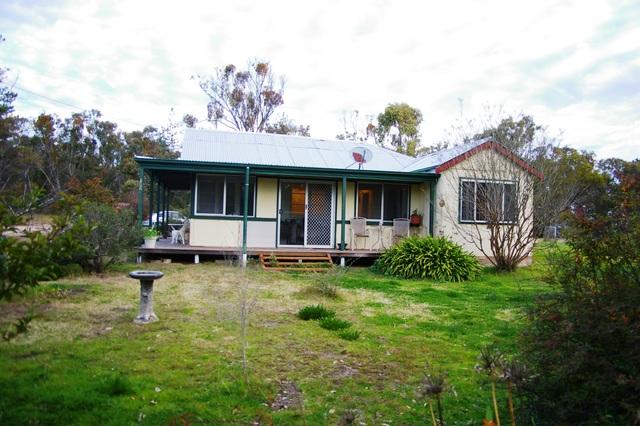 13 Rifle Range Road, Rocky River NSW 2358