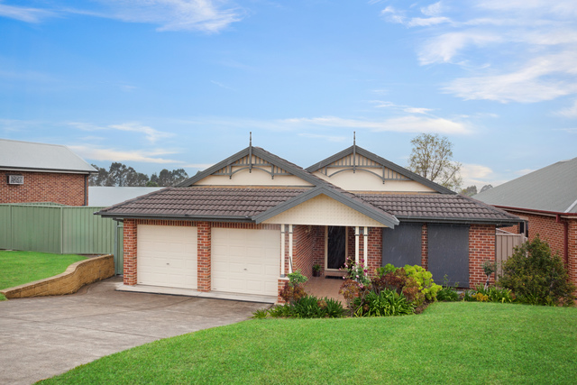 16 Carlisle Place, Morpeth NSW 2321