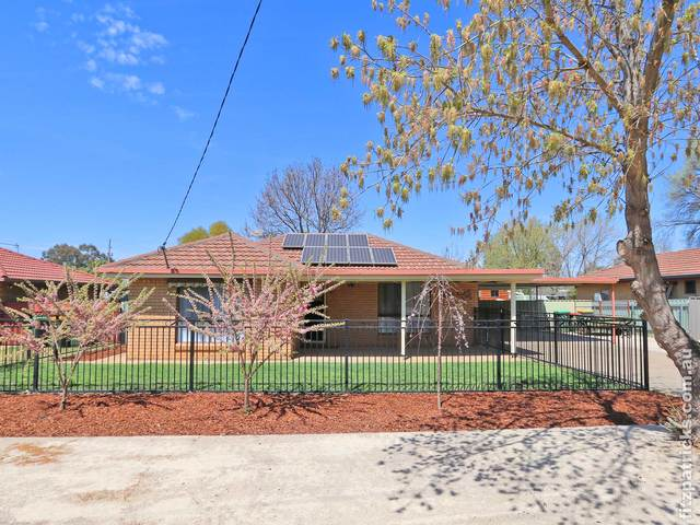 49 Cutler Avenue, Kooringal NSW 2650