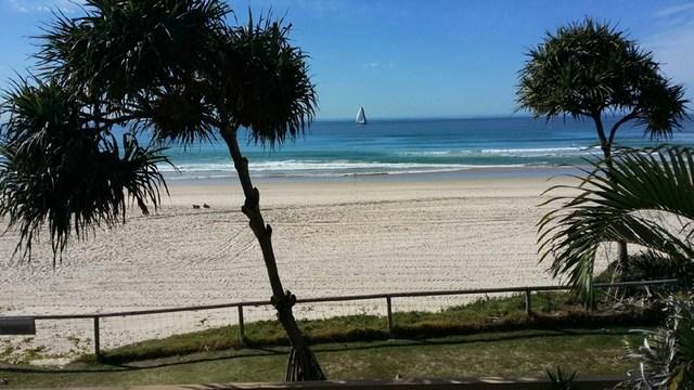 4/3513 Main Beach Pde, Main Beach QLD 4217
