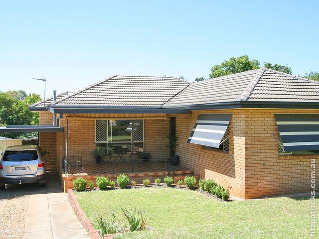 75 Meadow Street, Kooringal NSW 2650