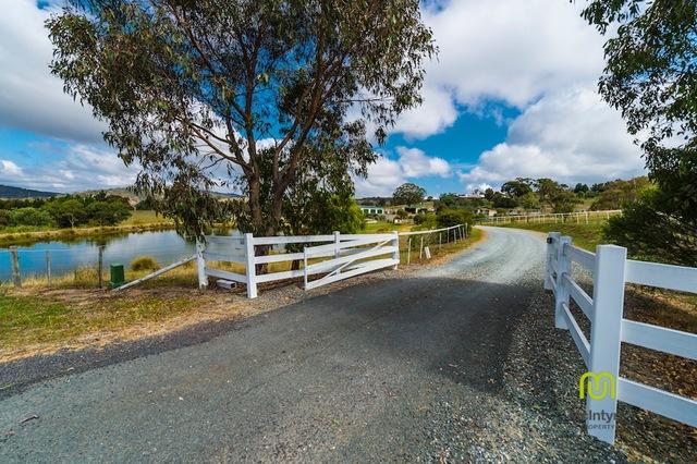 31 Trail Place, Royalla NSW 2620