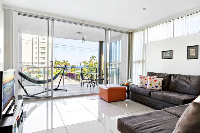 2/75 Sutton Street, Redcliffe QLD 4020