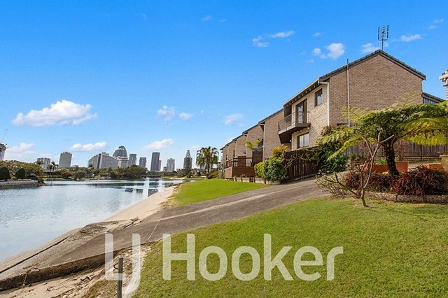 8/49-51 Hooker Boulevard, Broadbeach Waters QLD 4218