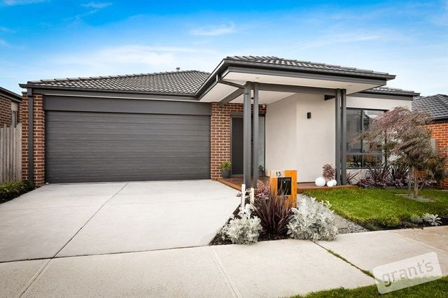 13 Roskopp Avenue, VIC 3978