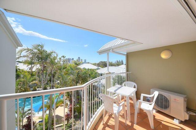 64/16 Crescent Avenue, Mermaid Beach QLD 4218