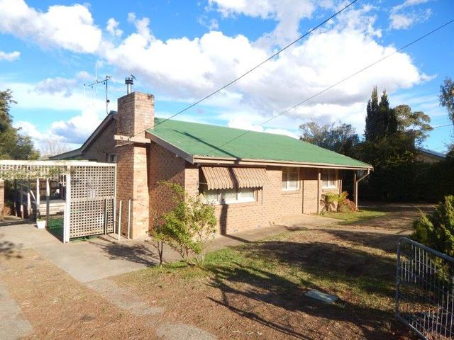 16 Baroona Avenue, Cooma NSW 2630