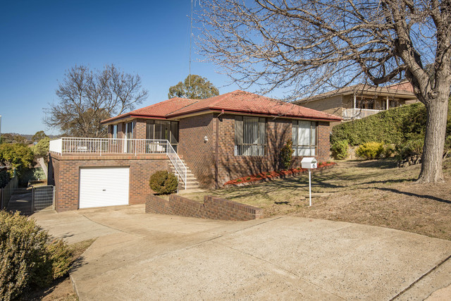 6 Rowley Place, Crestwood NSW 2620