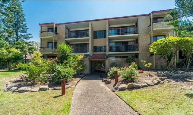 3/106 Bayview Street, Runaway Bay QLD 4216