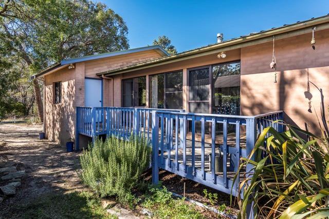80 Railway Avenue, Colo Vale NSW 2575