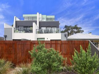 2/1733 Point Nepean Road