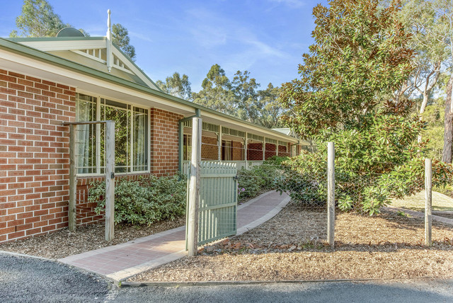 8 Sandgroper Crescent, Lake Conjola NSW 2539
