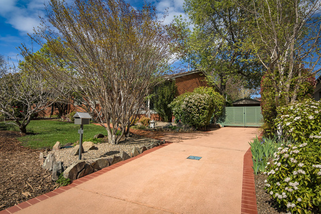 6 Allwood Street, Chifley ACT 2606