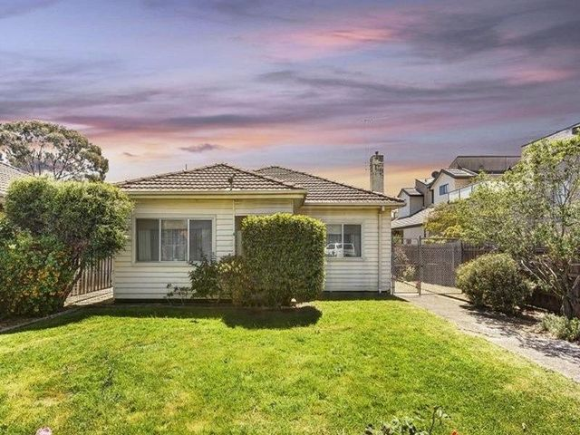 4 Windsor Street, VIC 3044