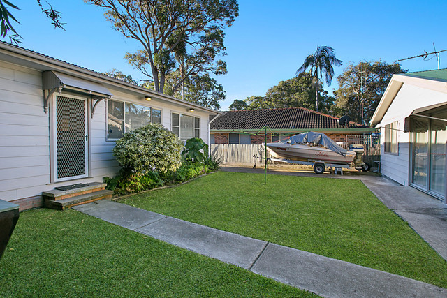 31 Murrumbong Road, Summerland Point NSW 2259