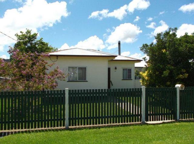 31 Denham Street, Stanthorpe QLD 4380