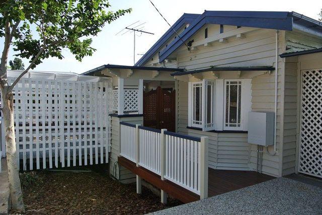 2 Deighton Road, Dutton Park QLD 4102