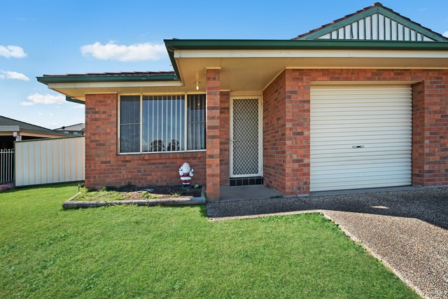 1/41 Denton Park Drive, Rutherford NSW 2320