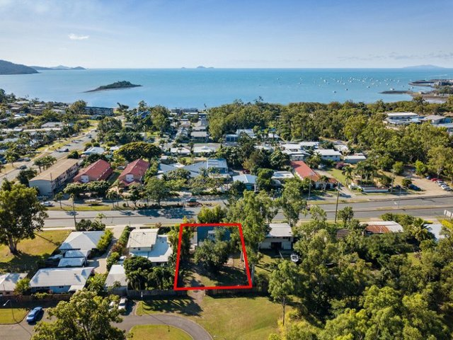 200 Shute Harbour Road, Cannonvale QLD 4802