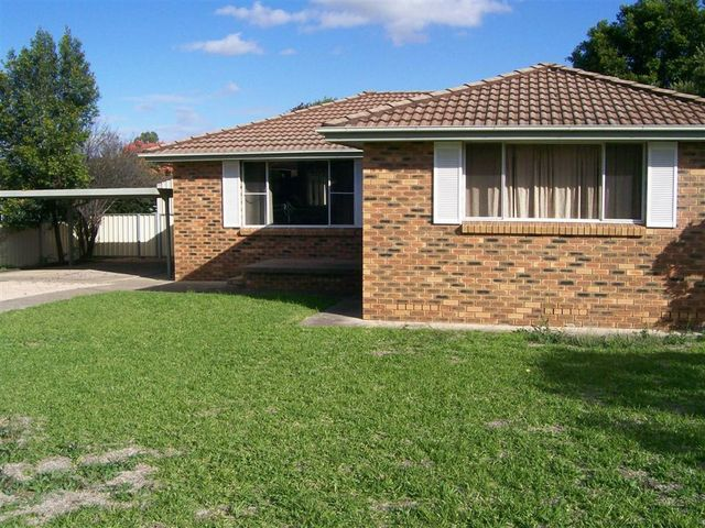 13 Askin Place, NSW 2337