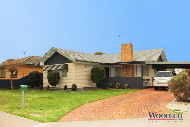 3 Cobham Avenue, Swan Hill VIC 3585