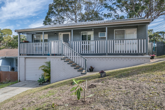 12 Koiyong Place, Bolton Point NSW 2283