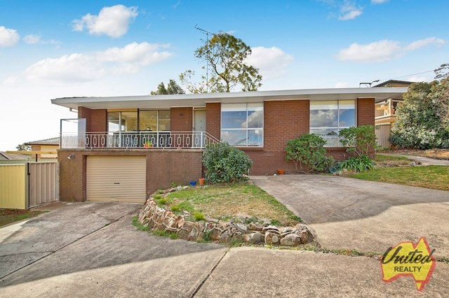 18 Bourke Place, Camden South NSW 2570