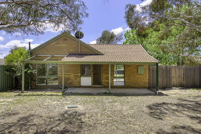 8 Lahey Place, Chisholm ACT 2905