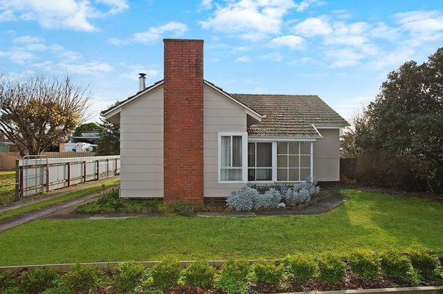 18 Grey Street, Terang VIC 3264