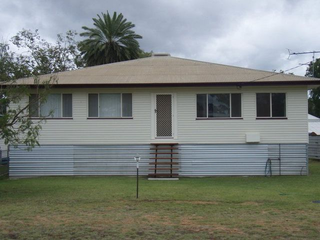 99 Watson Street, Charleville QLD 4470
