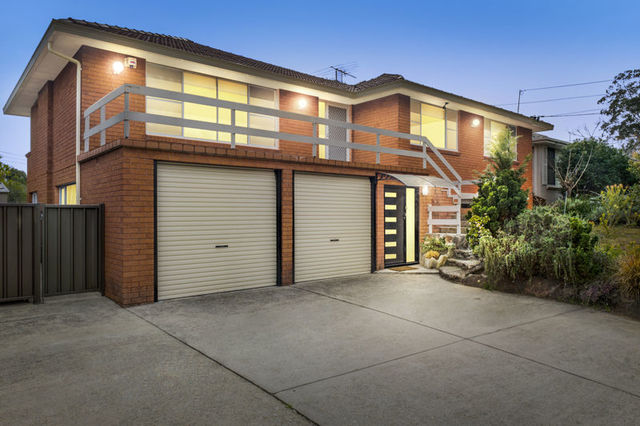 11 Harden Cr, Georges Hall NSW 2198
