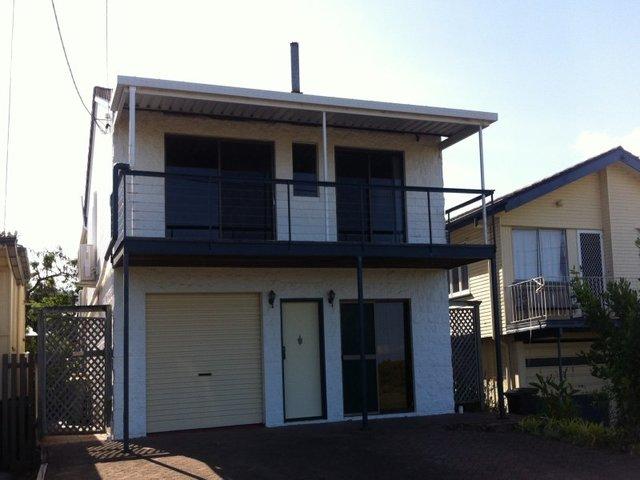 769 Esplanade, Lota QLD 4179