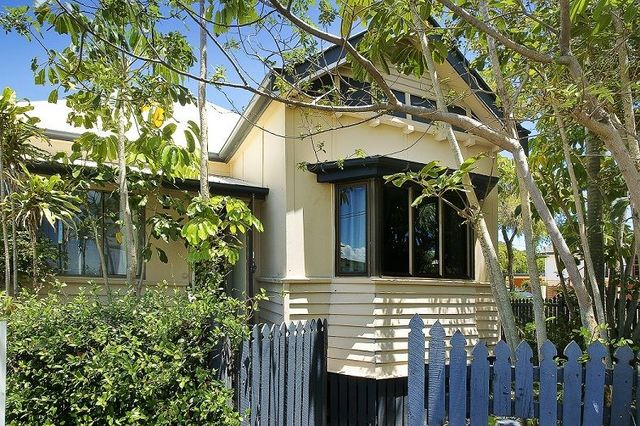 1/35 Woodcliffe Crescent, Woody Point QLD 4019