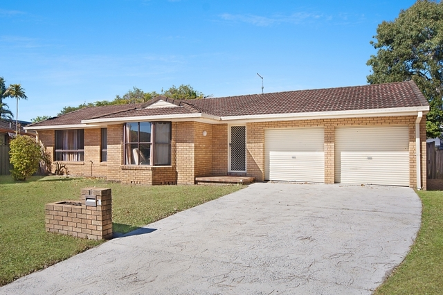 12 Casuarina Close, Yamba NSW 2464