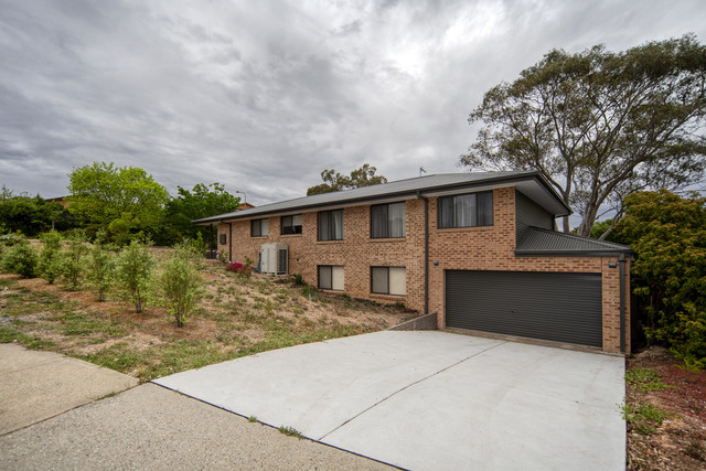 2 Dartnell Street, Gowrie ACT 2904