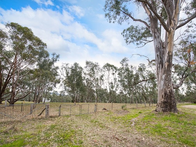 5 Church Lane, Sutton Grange VIC 3448