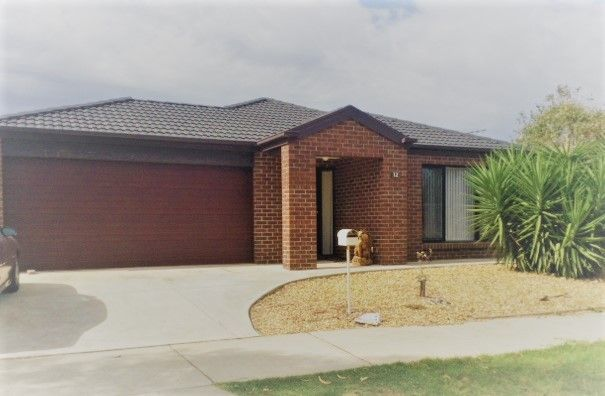 12 Clare Street, Brookfield VIC 3338