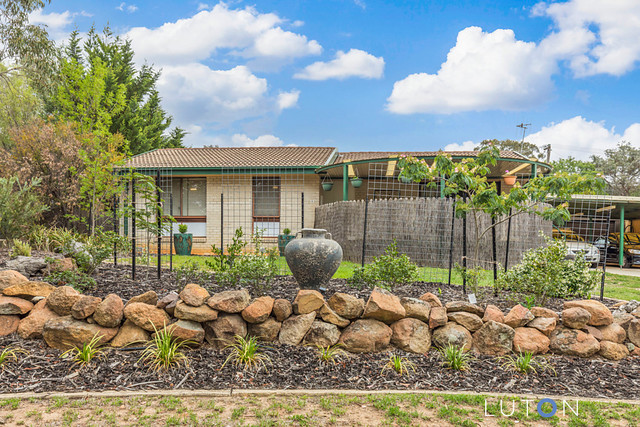 8 Cowie Place, ACT 2902