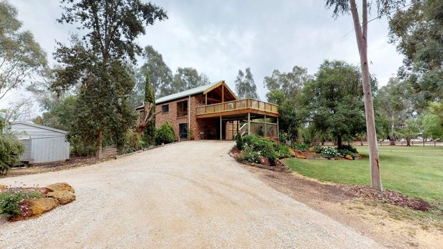 101 River Road, Swan Hill VIC 3585