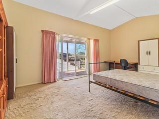 Room 5/1 Andrew Avenue