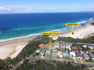9 Rennies Beach Close
