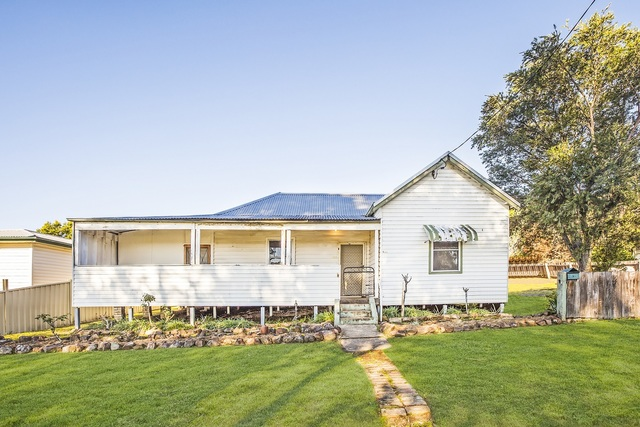 100 Mary Street, Dungog NSW 2420