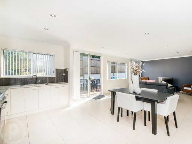 2 City View Road, QLD 4152