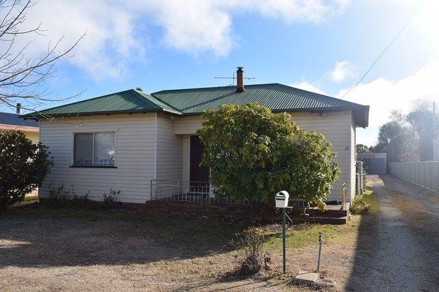 11 Wirruna Street, Guyra NSW 2365
